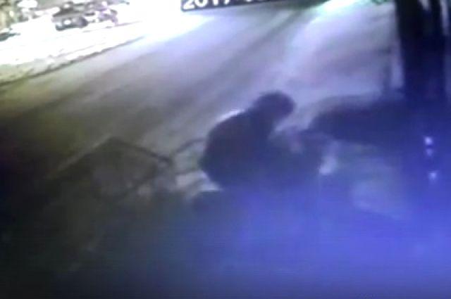 ВИркутске рецидивист изРостовской области запугивал женщин электрошокером играбил