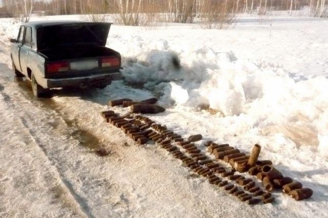 ВЗауралье полицейские остановили автомобиль ссотней артиллерийских снарядов