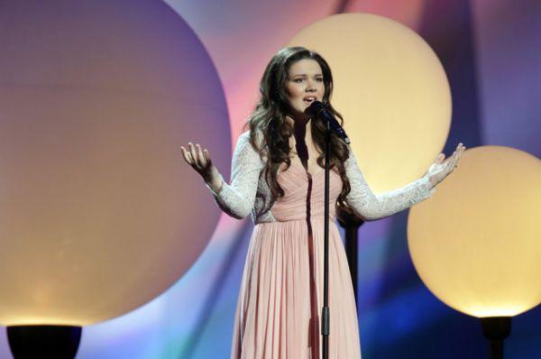 В 2013 году Россию представляла победительница телешоу «Голос» Дина Гарипова. Певица исполнила песню «What If» («Что, если…») и заняла пятое место.