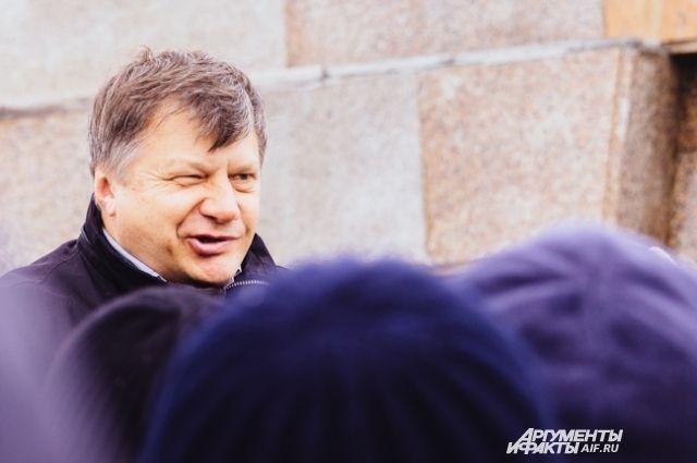 На фотографии - представитель пострадавших вкладчиков ТФБ, лидер татарстанского отделения партии ПАРНАС Марсель Шамсутдинов.