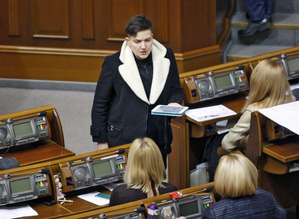 В зимний период народная избранница предпочитает массивные куртки