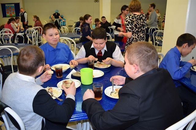 Комиссия снова нашла недочеты в работе школьных столовых Салехарда