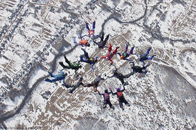 Воронежские парашютистки установили рекорд Центрального федерального округа