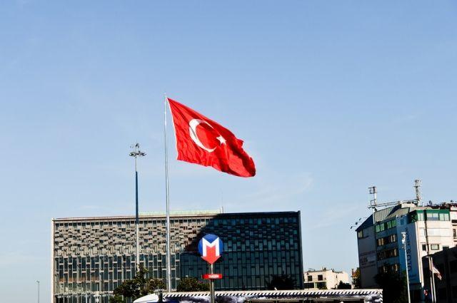 Турция непустит встрану посла Нидерландов и остальных голландских дипломатов