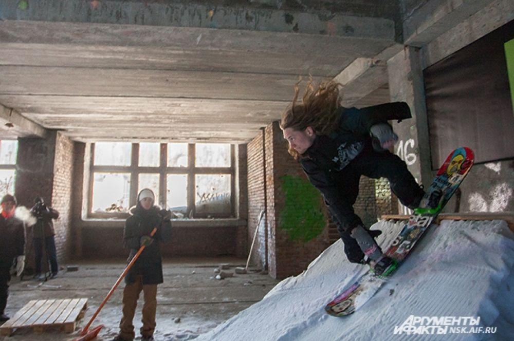 Сноубординг - вид спорта опасный, но красивый