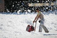 В этом году впервые было принято решение о комплексном вывозе снега с отдельных улиц.