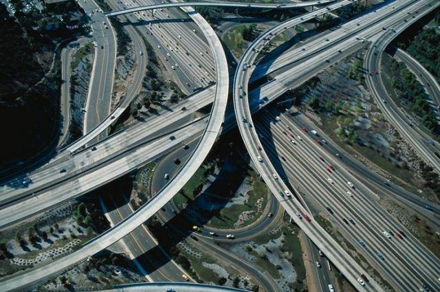 Общая протяженность автомагистрали составляет 281 километров