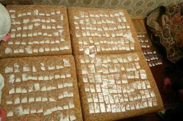 Полицейские изъяли ужителя Пензы около 200 разовых доз наркотиков