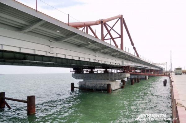 Морская часть автомобильного моста.