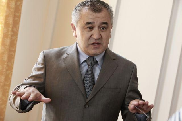 В Киргизии арестованный оппозиционер просит проверить психику президента