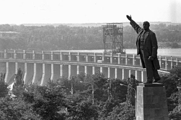Плотина ДнепроГЭС, 1970 год.