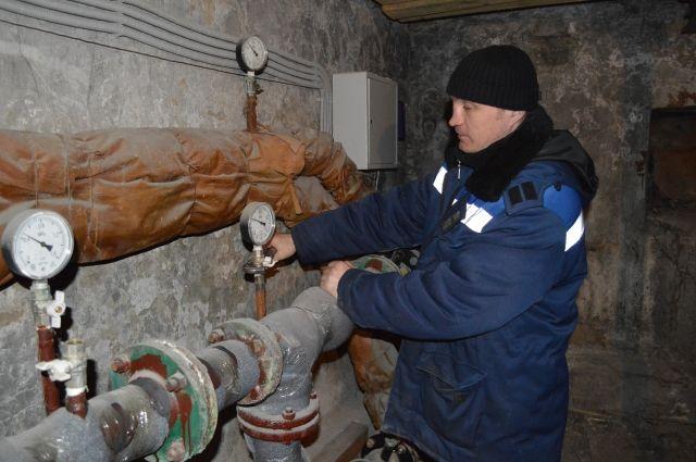 Любая работа коммунальщика требует согласия жильцов, а значит - взаимопонимания.