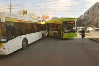 Новые автобусы «выдавливают» маршрутки.