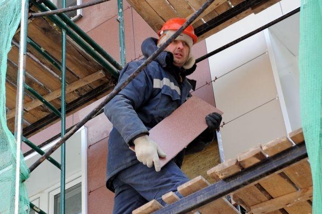 В этом году планируют отремонтировать 955 домов. Тогда как в прошлом году привели в порядок только 180 домов.