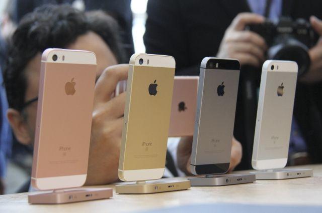 НаЗаневском проспекте вПетербурге неизвестные украли изсалона 29 «айфонов»