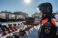 Больше 50-ти единиц техники расположили на площади Ленина