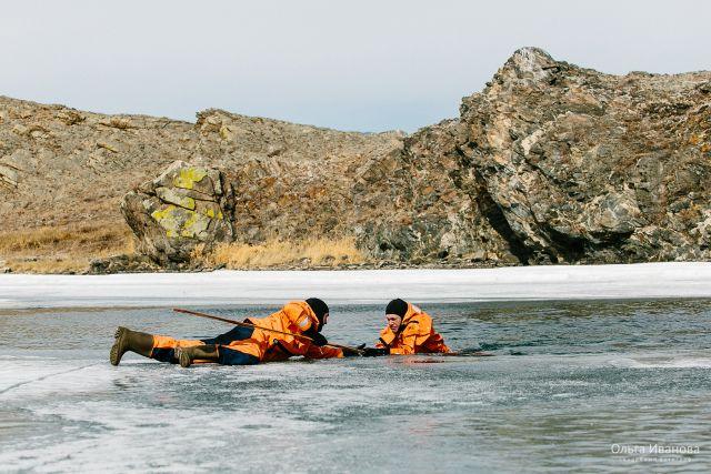 Кемеровские спасатели начали учения «Тонкий лёд».
