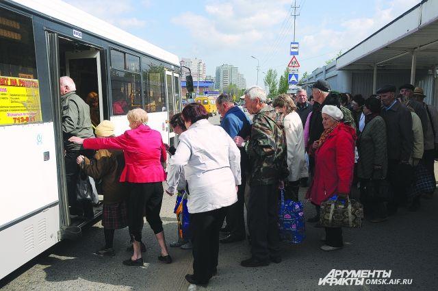 40 автобусов будут обслуживать дачников.