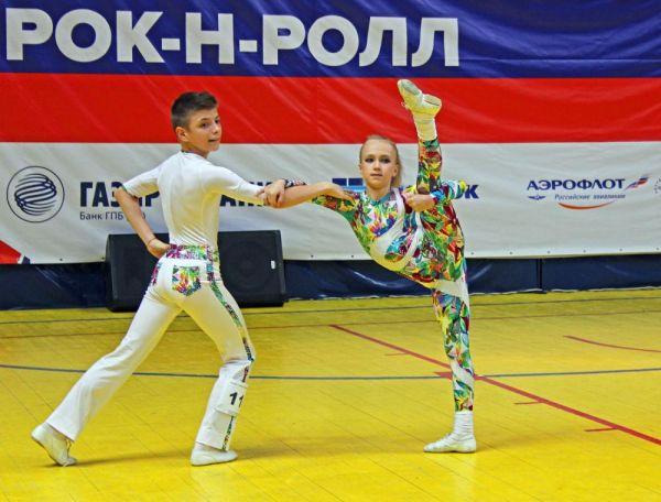 За два дня более 500 спортсменов приняли участие в десятках танцевальных программ.
