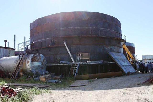 В Лабытнанги продолжается монтаж очистных сооружений