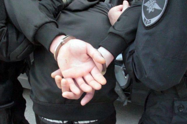 Полицейским понадобилось не мало времени, чтобы найти злоумышленника.