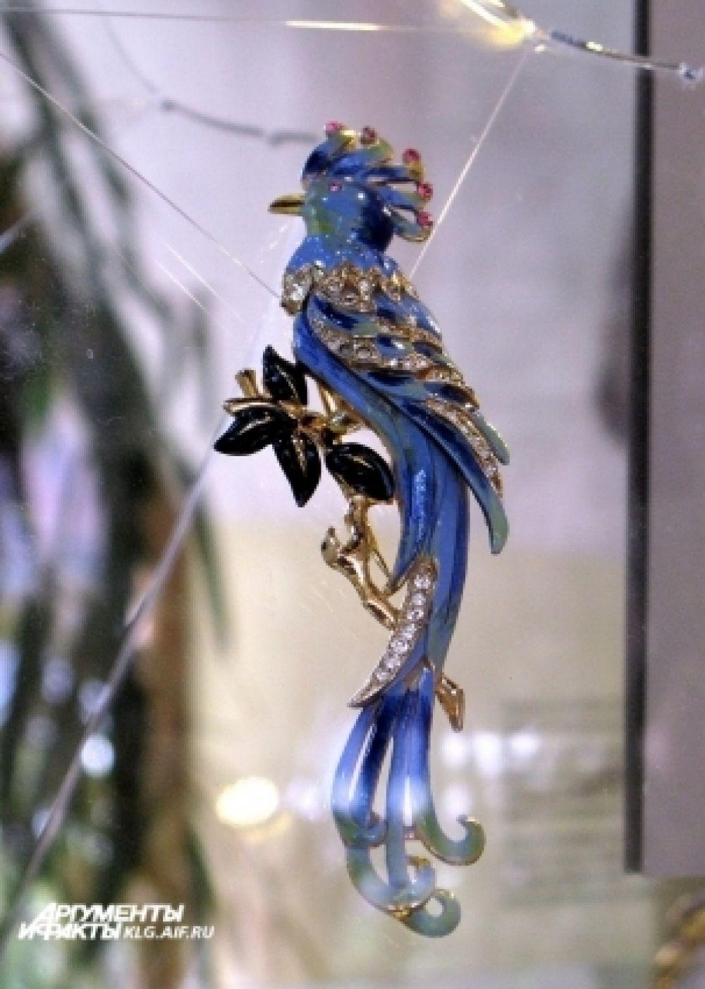 Украшения были созданы в США в период «золотого века» бижутерии – в 1930-60 годах.