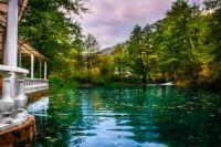Нижнее Голубое озеро в Кабардино-Балкарии.