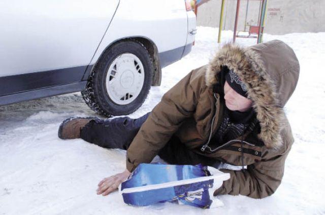 Из-за постоянных скачков температуры на дорогах края сохранится гололед.