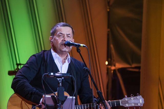 За три часа Николай Расторгуев исполнил новые и старые хиты.