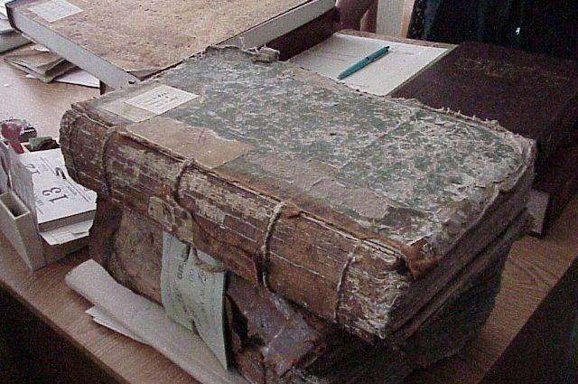 Коллекция метрических книг церквей Саратовской губернии, изготовленных в 1821–1885 годах.