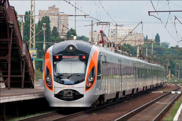 «Укрзализныця» назначила дополнительные поезда в западном направлении