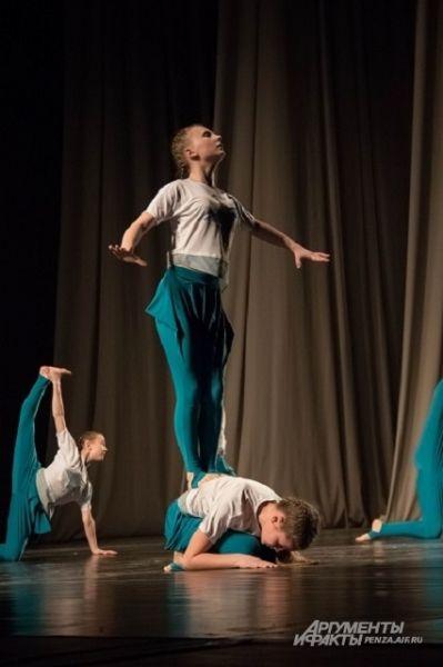 Каждый участник и зритель видят в танце что-то свое...