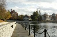 На территории озера Эмтор хотят развернуть пешеходные аллеи, площадки и парк с аттракционами.