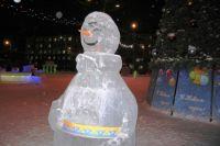 В ЯНАО на нефтяном месторождении появился самый северный снеговик в России