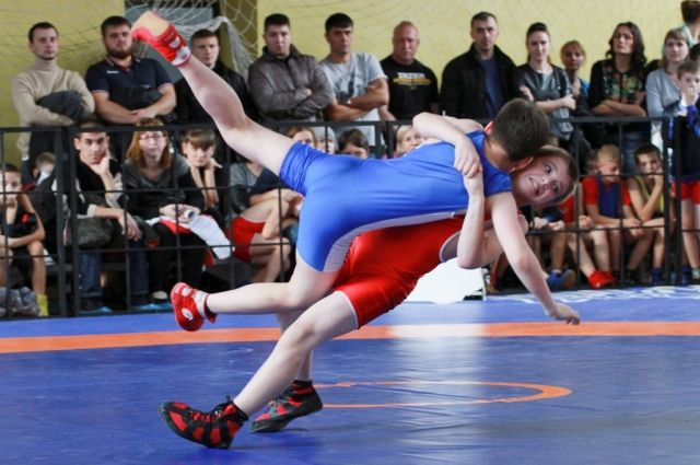 На чемпионат отправятся 10 борцов