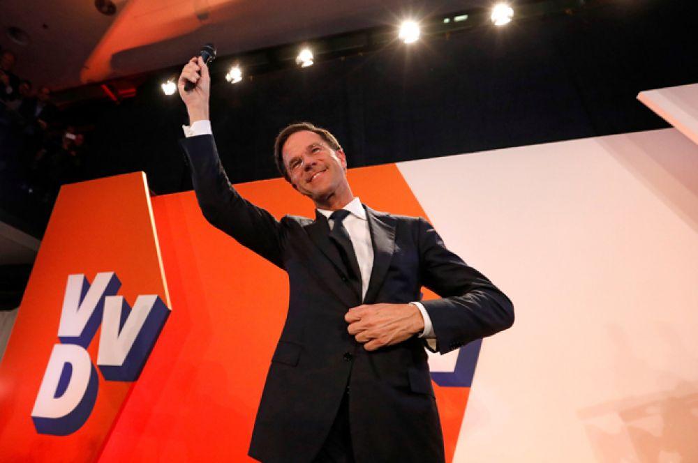 16 марта. Партия действующего премьер-министра Нидерландов Марка Рютте победила на парламентских выборах в Нидерландах.