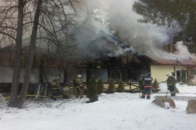 Пожар набазе «Лебяжье» произошел вКазани