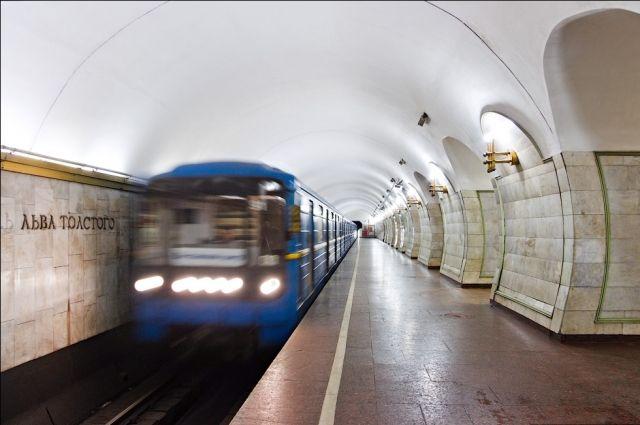 В Киеве на вход могут закрыть три станции метро