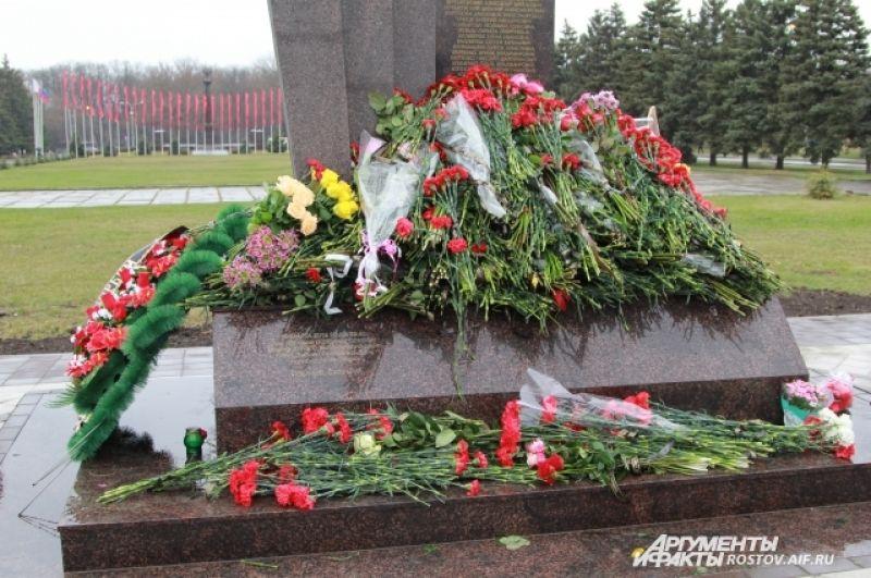Память о погибших останется в сердцах ростовчан.
