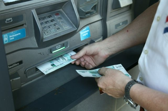 Банкоматы подхватили вирус, новый «штамм» выдает деньги прямо скассеты