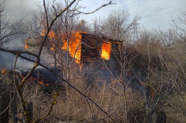 ВСмоленске мужчина, спасенный изпожара, скончался  вмашине скорой помощи