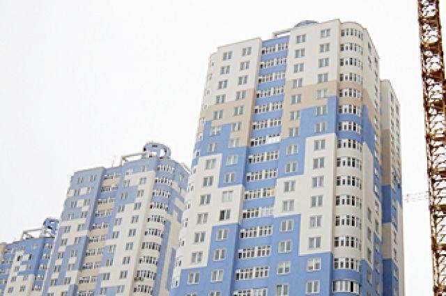 Видео, в котором пятиклассник проходит по краю балкона25-го этажа, снято ещё в феврале