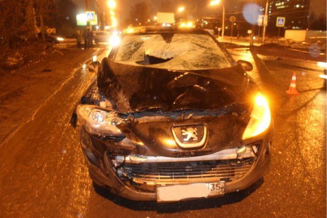 ВВологде 25-летняя автоледи сбила 3-х  пешеходов