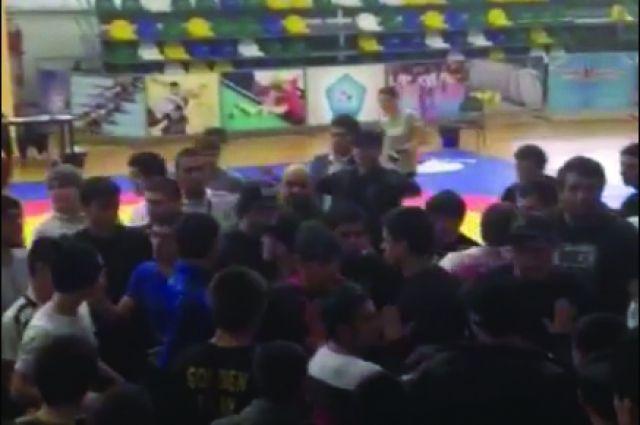Массовая драка произошла наспортивном турнире вДагестане