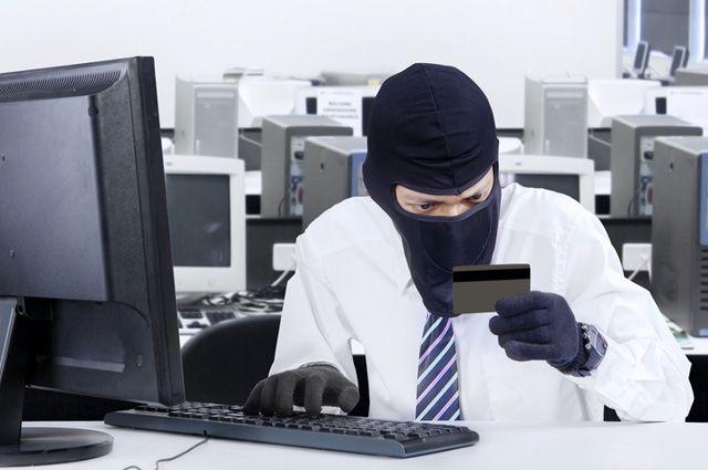 Банкоматы выдают деньги направо иналево из-за нового вируса— Ограбление по-российски
