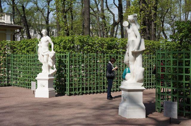 В Петербурге сады и парки закрыли на весеннюю просушку