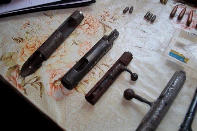 У копателя из Калининграда нашли пригодное для стрельбы оружие времен ВОВ.