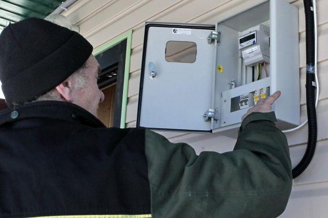 Энергетики должны уведомить собственника, есди до очередной проверки прибора учёта остаётся меньще года.