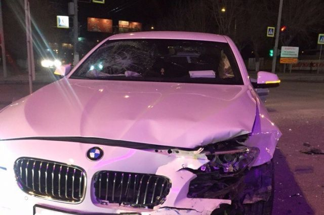 Два автомобиля BMW столкнулись в центре Волгограда