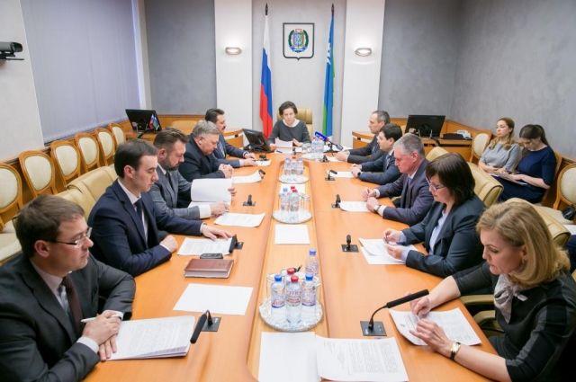 В Югре перераспределили бюджет на 2017- 2019 годы.
